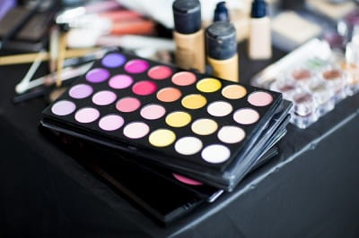 colors-makeup-cosmetic-fashion-beauty-feminine